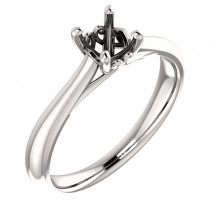 18kt White Gold Antique Solitaire Engagement Ring