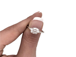 POPULAR DIAMOND CUTS FOR ENGAGEMENT RING